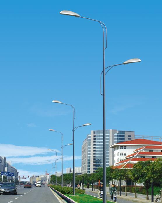 高低臂市電路燈